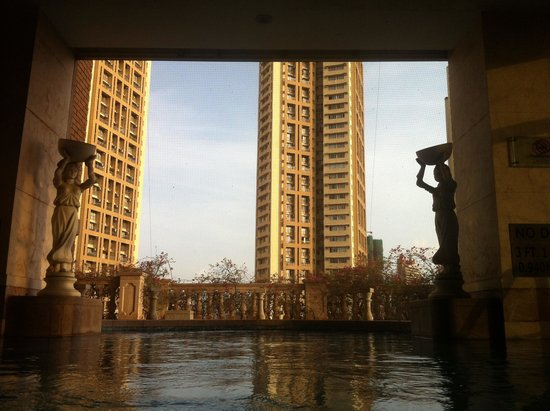 ITC Grand Central : Pool