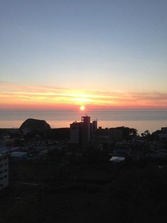 Shiretoko Daiichi Hotel : 水平線に沈む夕陽