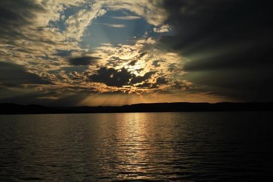 Lake Argyle Resort & Caravan Park: Not a bad view !