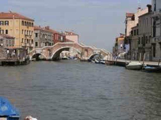 Cannaregio: 3 arches bridge