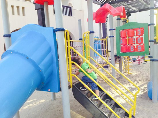 Miramar Al Aqah Beach Resort: Детская площадка