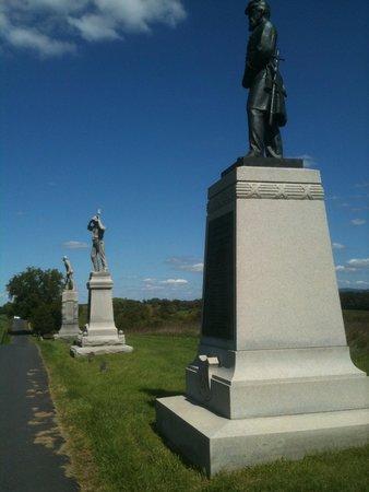 Antietam National Battlefield: Three adjacent soldiers monuments