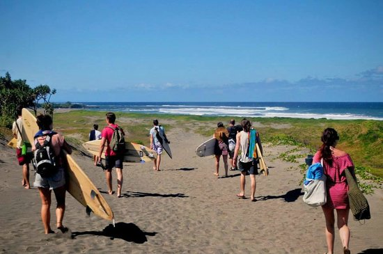 Travellers Beach Resort: The first surf trip we went on to Sigatoka