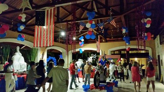Majestic Elegance Punta Cana : Fourth of July celebrations/decorations 2014