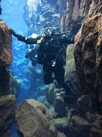 DIVE.IS : Touching the North American and European Continents at the same time – priceless!