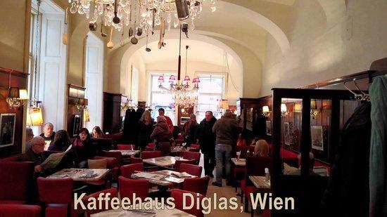 Café Diglas: Kaffeehaus-Atmosphäre