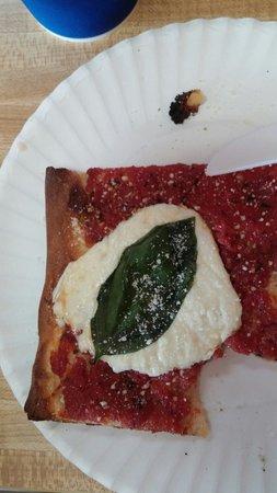 Mario's Pizza and Italian Eatery: Thin Nona's