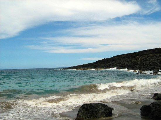 Manini'owali Beach (Kua Bay) : The Green Sand Beach