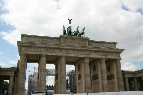 The Berlin Experts- Walking Tours: Brandenburg Gate