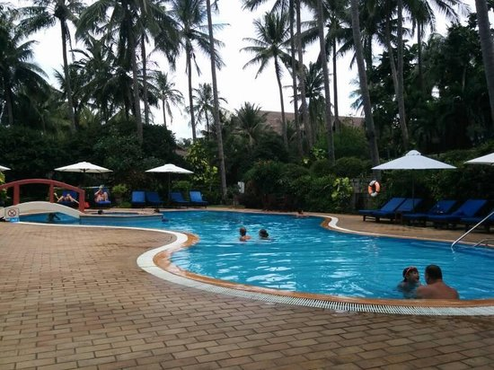 Bamboo Village Beach Resort & Spa : Swimming pool