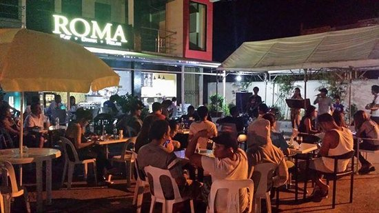 Roma Cafe & Bar