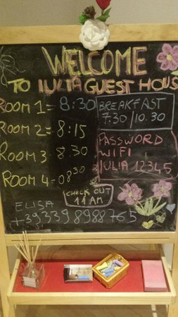 Sweet Home Hotel : very cute way of writing down the time for your breakfast to be served