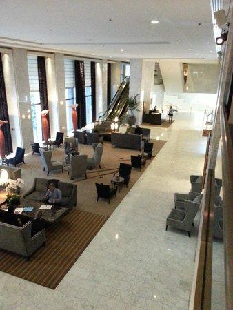 Hotel Nikko San Francisco: View of the lobby