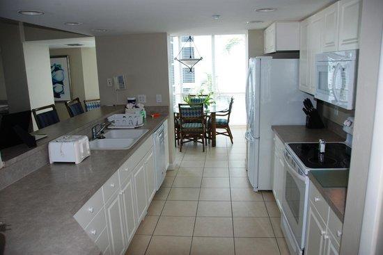 GullWing Beach Resort: Kitchen