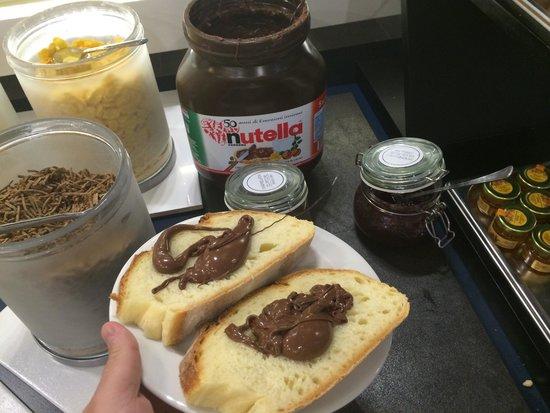 Holiday Inn Milan Nord-Zara : Pane e Nutella...!