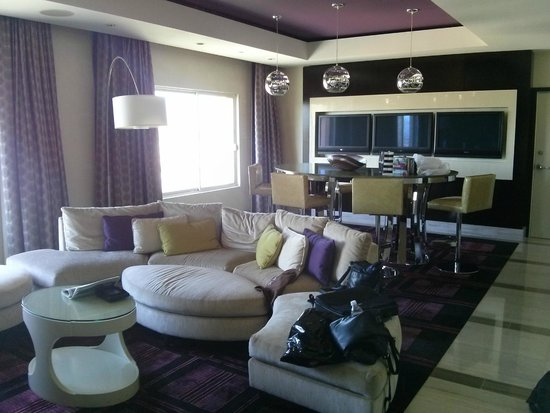 Hotel32 at Monte Carlo : Excuse the messy room