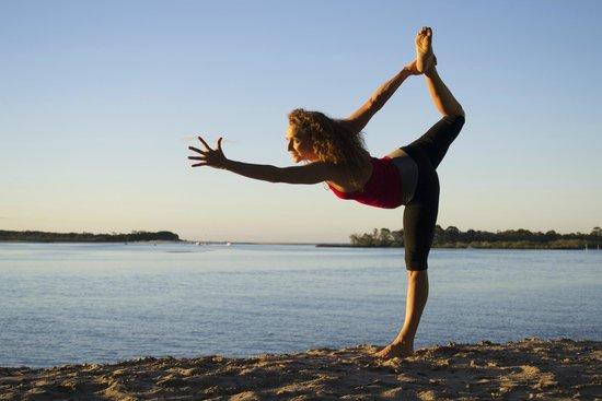 Yoga Circle: fingerlines