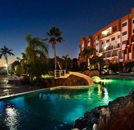 San Carlos Plaza Hotel Resort & Convention Center: Noches en San Carlos