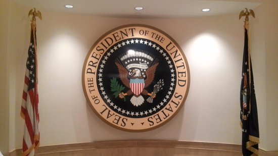 John F. Kennedy Presidential Museum & Library : seal