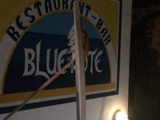 Blue Note: Plaque a l'entrée du resto