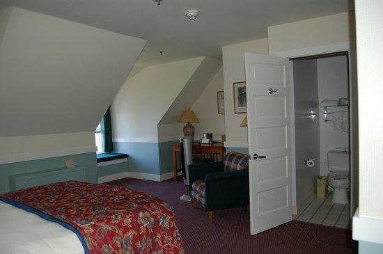 Crater Lake Lodge: Room 410