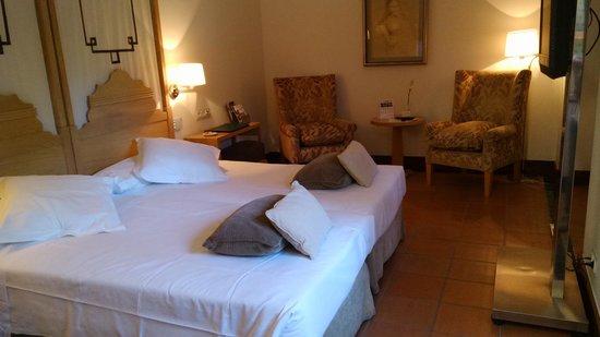 Parador de Granada: twin room