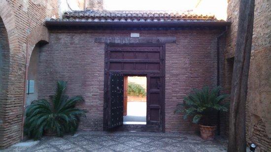 Parador de Granada: 門