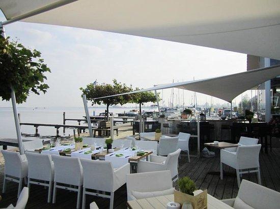Bistro 't Schippersrijk: Great terrace