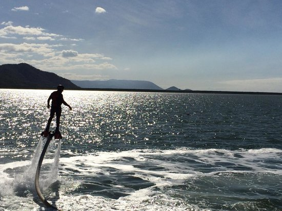 Flyboard Cairns : up up and away