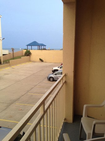 Holiday Inn Express Hotel & Suites Galveston West - Seawall: Balcony view,1st floor
