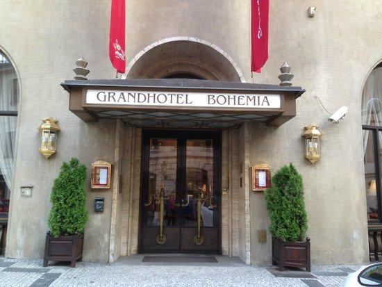 Grand Hotel Bohemia: Entrée de l'hotel