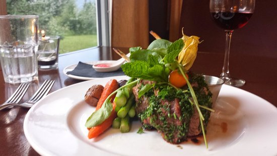 Cedar House Restaurant & Chalets: Succulent lamb