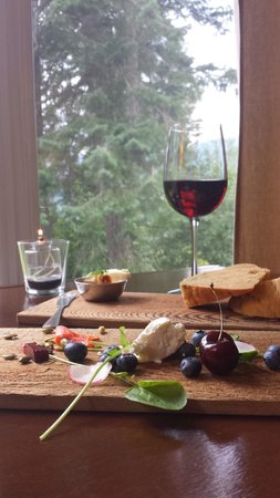 Cedar House Restaurant & Chalets: Complimentary Appetizer