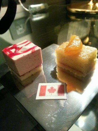 Sofitel Mumbai BKC : Mini pastries with a Flag for our groups nationality