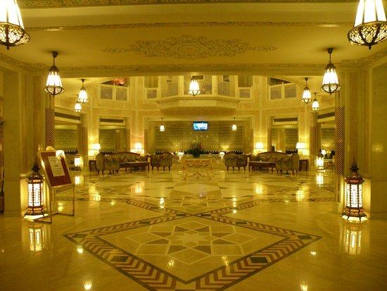 Wyndham Grand: lobby