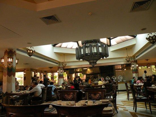 Orient Taj: resturant