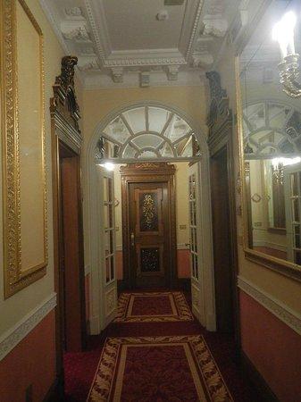 Grand Hotel Des Iles Borromees: Un couloir