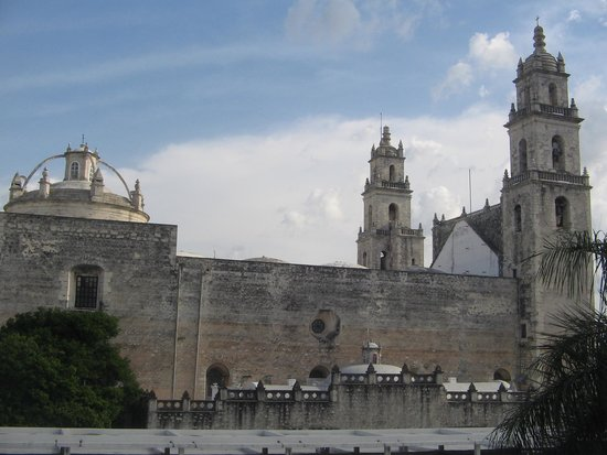 Merida Cathedral: Rear view of the facade