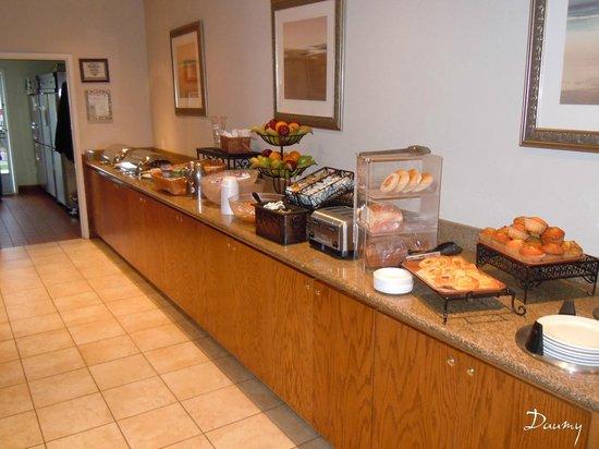 Charter Inn & Suites : petit dejeuner