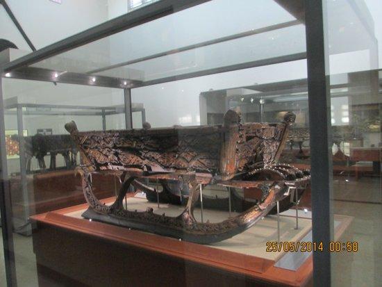 Viking Ship Museum : Viking Ski Wagon.