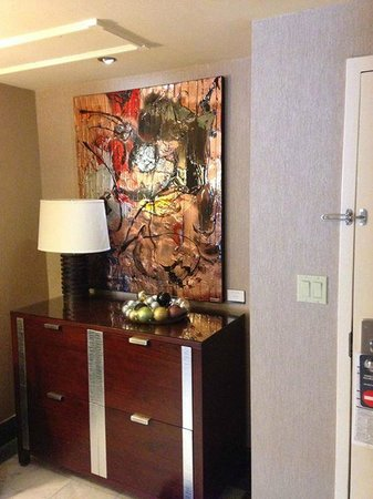 InterContinental Montreal: Signature Suite - livingroom