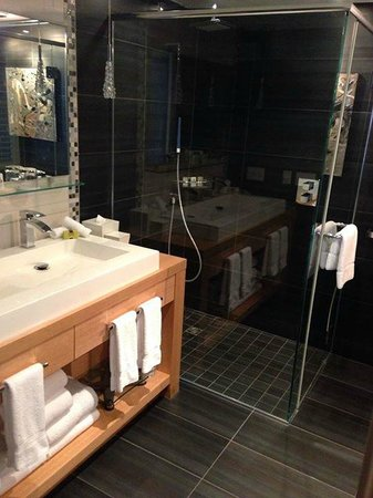 InterContinental Montreal: Signature Suite - bathroom
