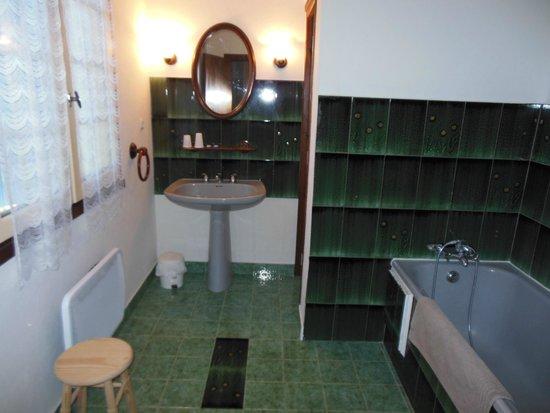 Le Clos de la Roque : Salle de bain de notre chambre