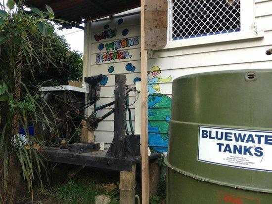Fat Cat Eco Backpackers : Washing mashine
