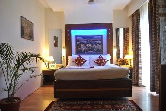 Shree Ram International: Suite Room