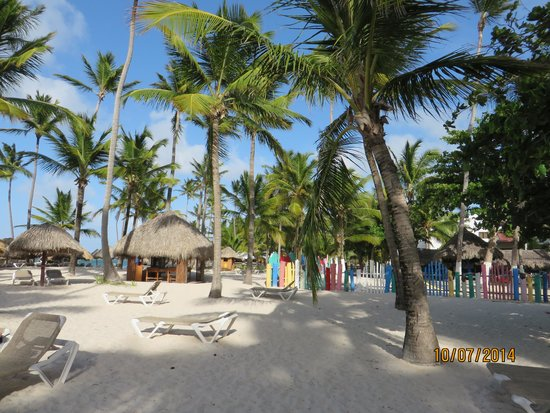 Bavaro Princess All Suites Resort, Spa & Casino: Strand