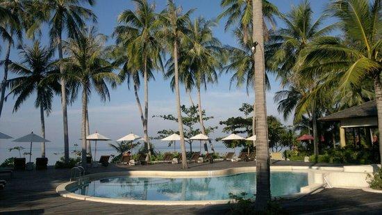 The Passage Samui Villas & Resort : The pool area