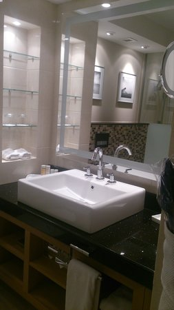 Radisson Blu Hotel, Doha: Bathroom