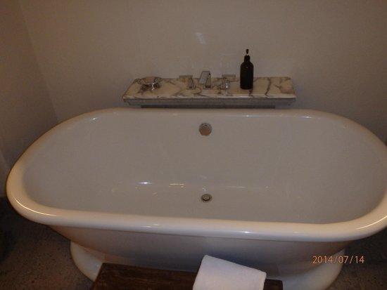 Inkaterra La Casona Relais & Chateaux : Balcon Suite 4 A Sumptuous Bath