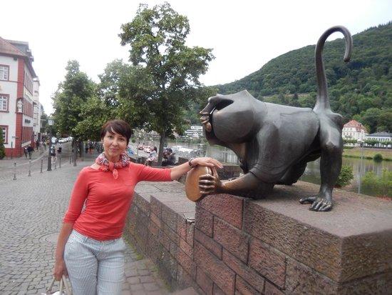 Carl Theodor Old Bridge (Alte Brucke): Monkey